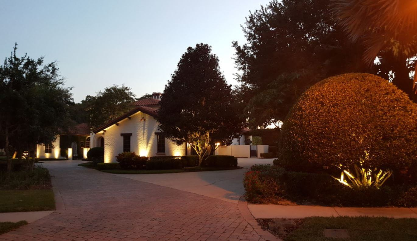 orlando landscape lighting up driveway and home installation