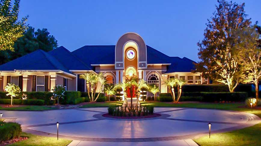 orlando landscape lighting installed by licensed contractor on home