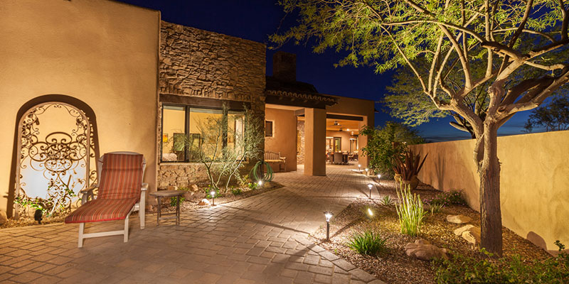 Why You Should Leave Outdoor Landscape Lighting to the Professionals